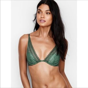 Victoria's Secret Very Sexy Unlined Plunge NWT